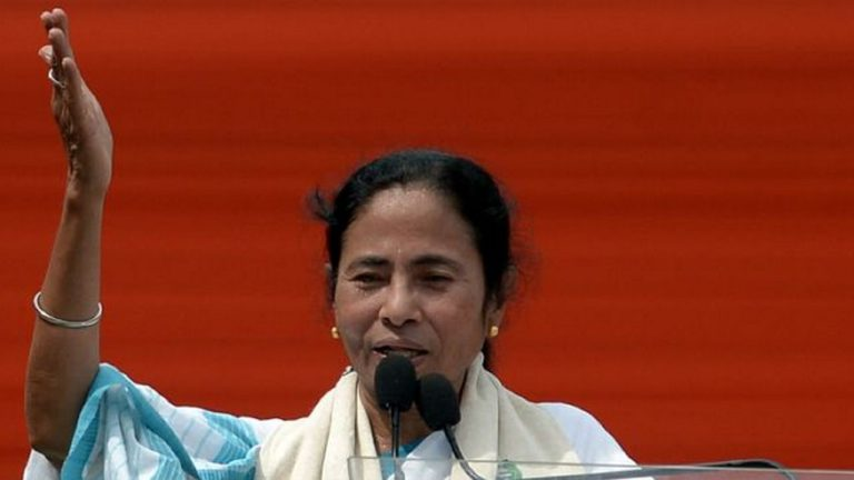 Mamata Banerjee requests people to change their profile picture on 8th November to black as demonetization protest