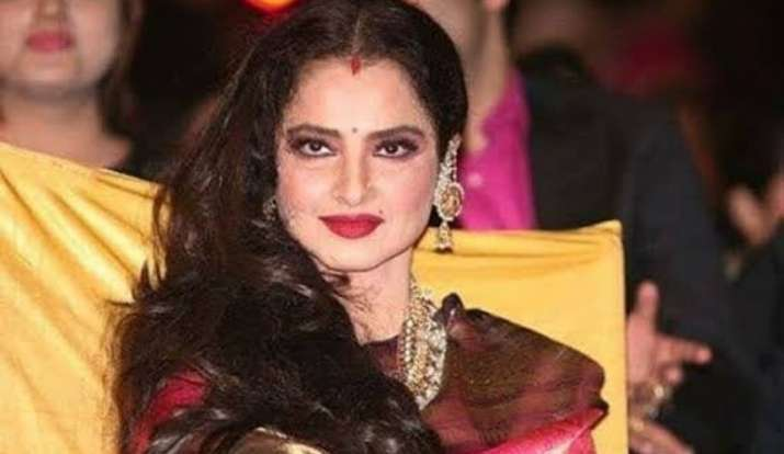 Rekha's Bungalow sealed and trends on twitter after Amitabh Bachan tested positive for COVID-19
