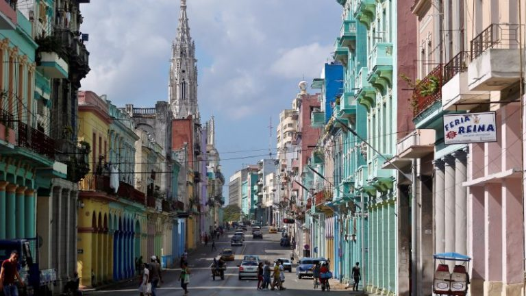 What are the Types of Languages Spoken by the People of Cuba?