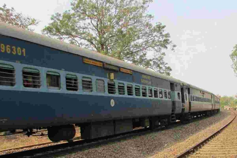 Trains in Mumbai to be suspended: Here is what the center says?