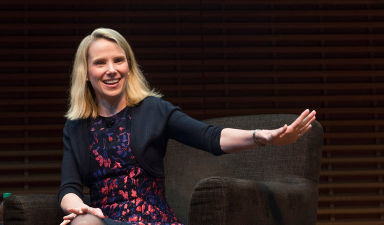 Yahoo CEO Mayer makes a comeback with new app launch
