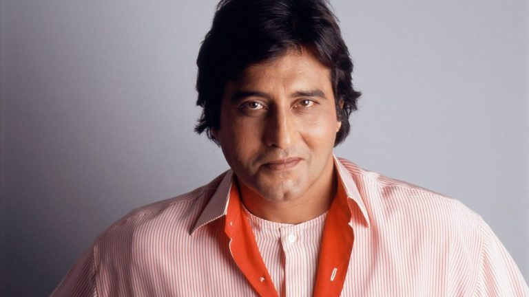 Veteran Actor Vinod Khanna died at an age of 70 after suffering from cancer