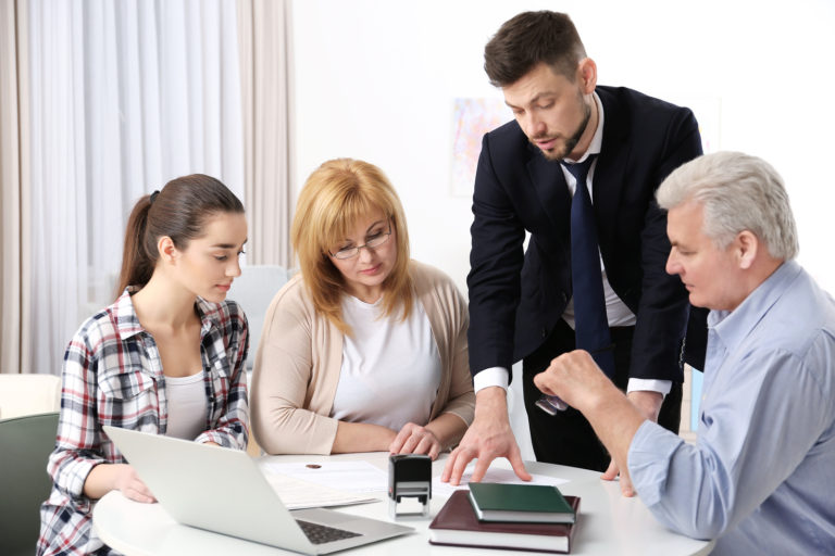 7 Things to Look for When Hiring Family Lawyer