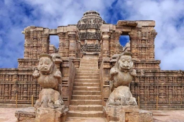 """Guide to know about one of the famous Indian Temple """"The Konark Sun Temple"""" Odisha"""